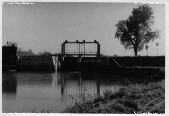 Das Innerste-Wehr in Sarstedt, ca. 1950